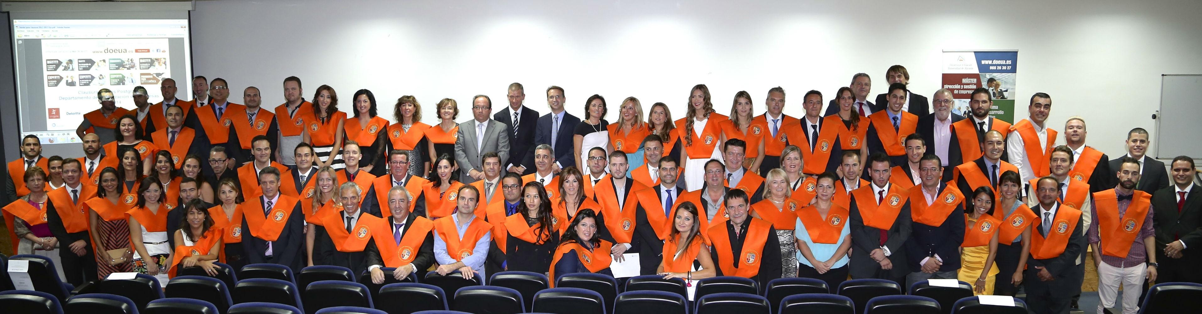 foto-clausura-bandas-alumnos-master-pymes-empresas-hosteleria-recursos-humanos-universidad-alicante-2013-2014